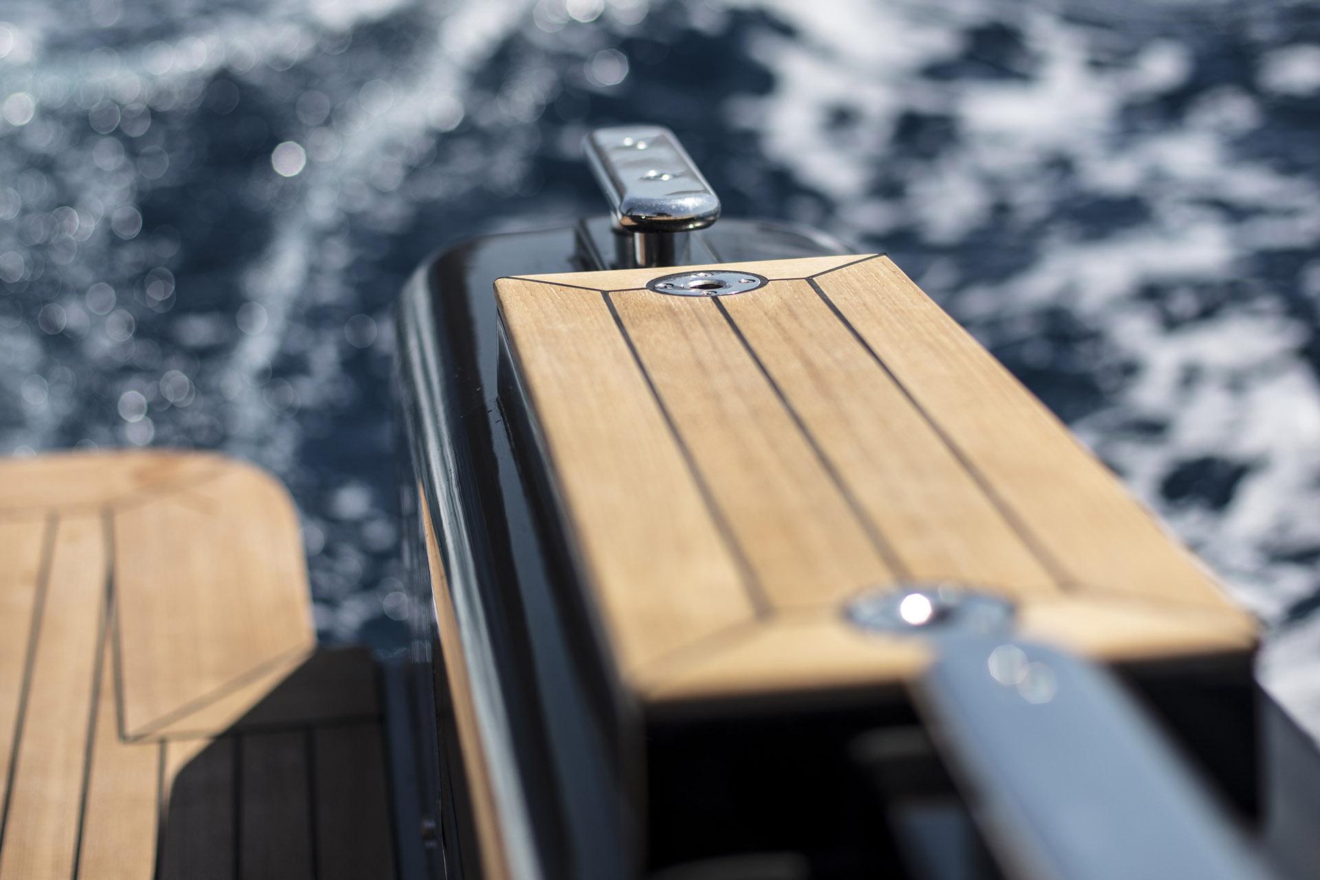 Sestante Yacht Charter Costa Smeralda Novamarine Black Shiver 120 (5)