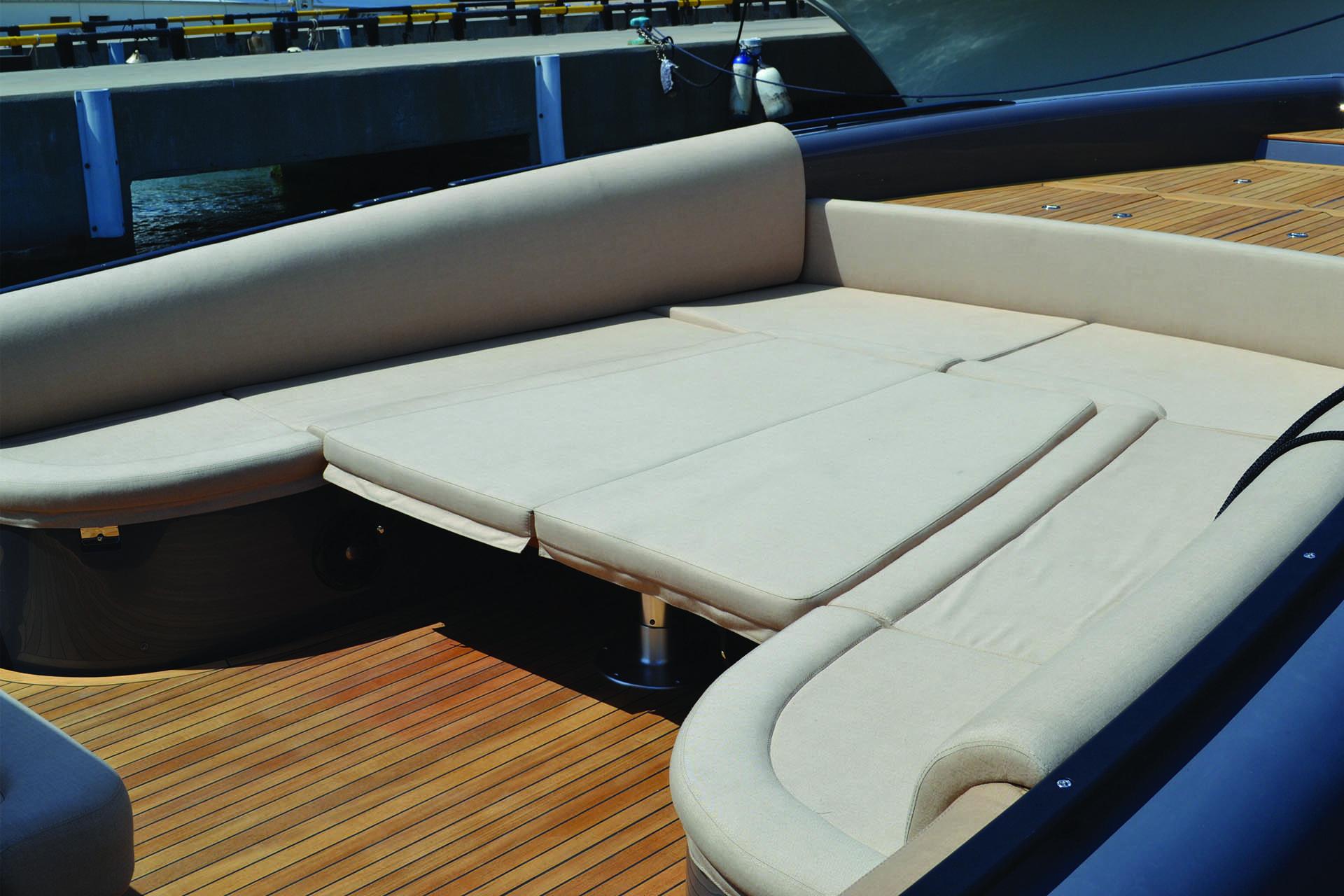 Sestante Yacht Charter Costa Smeralda Novamarine Black Shiver 120 (8)