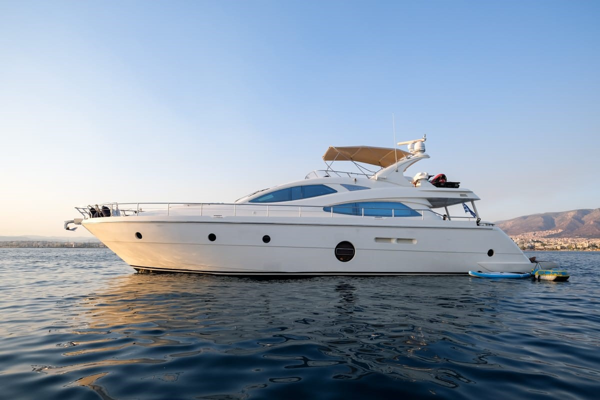 Aicon 64 Fly Sestante Yachts