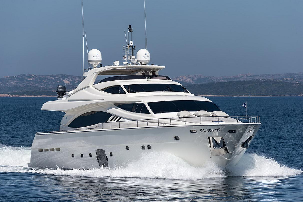 Ferretti 881 MY - Sestante Yachts (2)