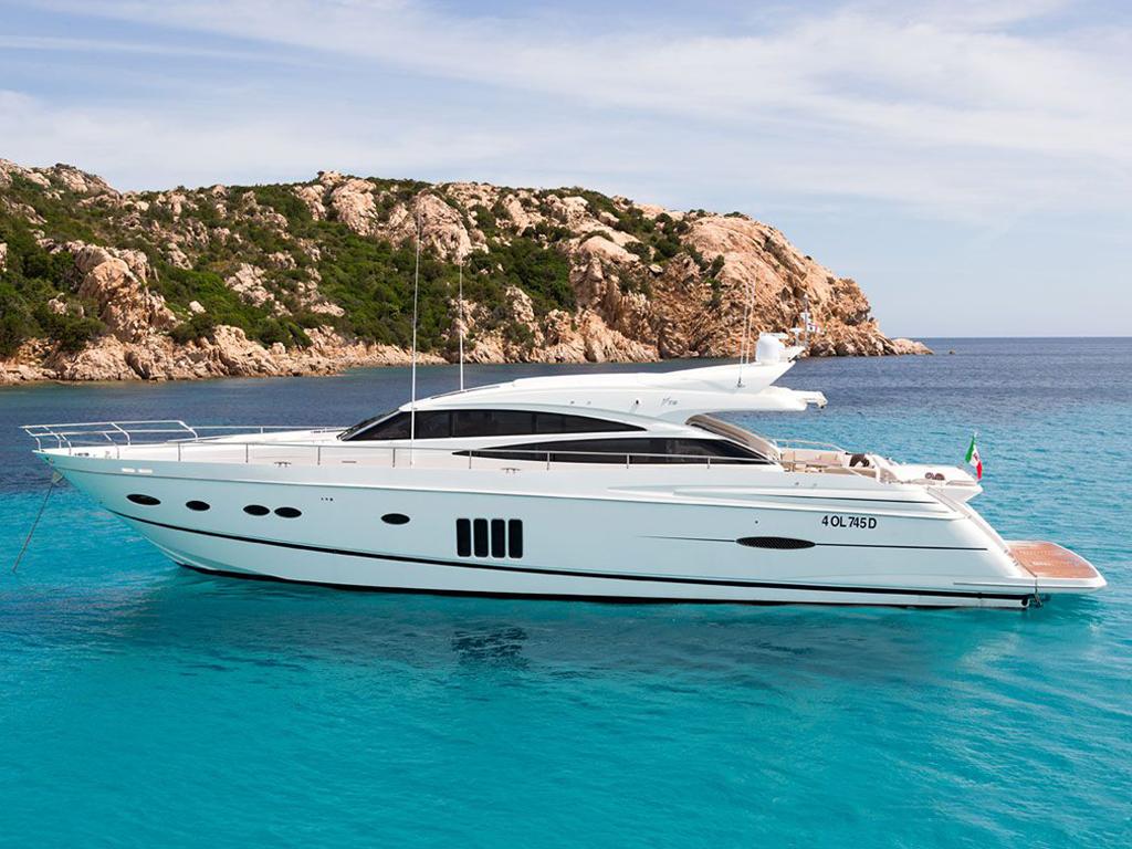 Princess-V78---Charter-Poltu-Quatu,-Charter-Costa-Smeralda,-Noleggio-barca-sardgna