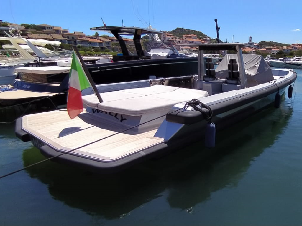 Sestante-Yacht---Charter-Costa-Smeralda-Apex-60-Maxi-Tender